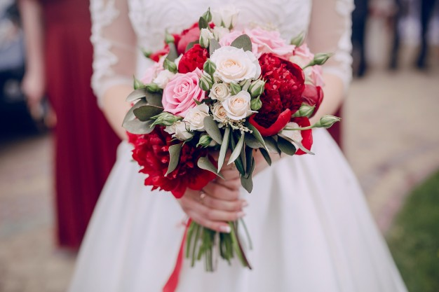 The Blooming Blog:  More ideas for bridal bouquets